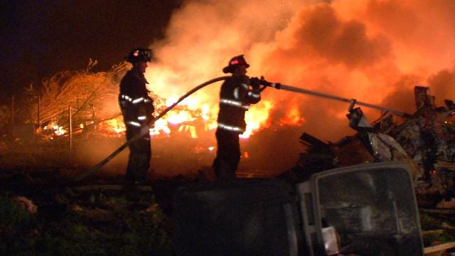 Fire Destroys Two Homes At Closed Sapulpa Mobile Home Park