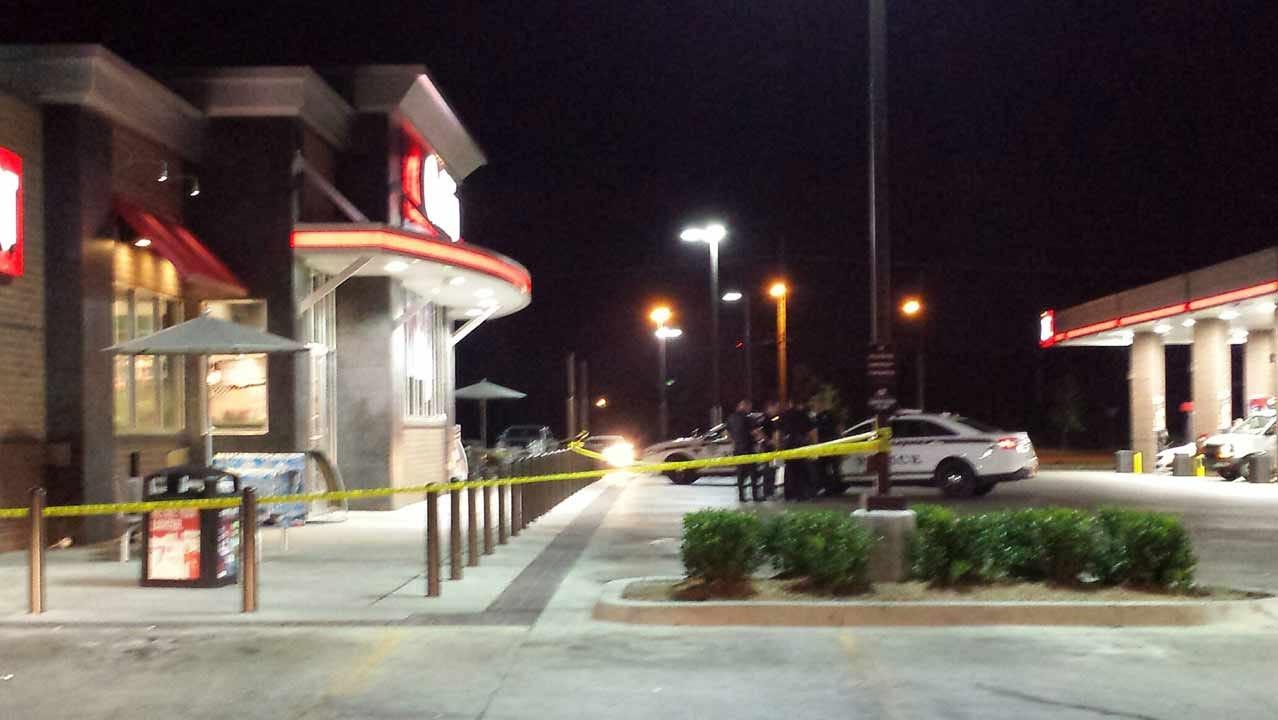 Three Stabbed Outside Tulsa QuikTrip