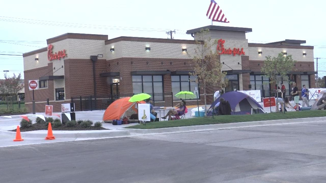 Tulsa Campers Wait In Line For Free Food