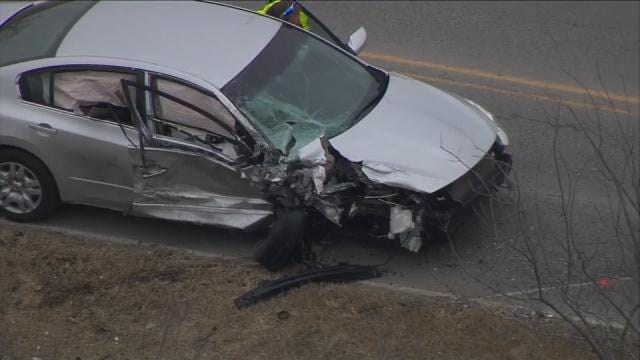 Broken Arrow Police: Burglary Suspects Critically Hurt In Crash