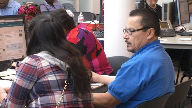 Oklahomans Signing Up For Health Care As Deadline Nears