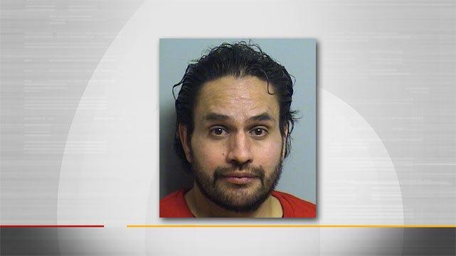 Police Arrest Man For DUI After Tulsa Crash