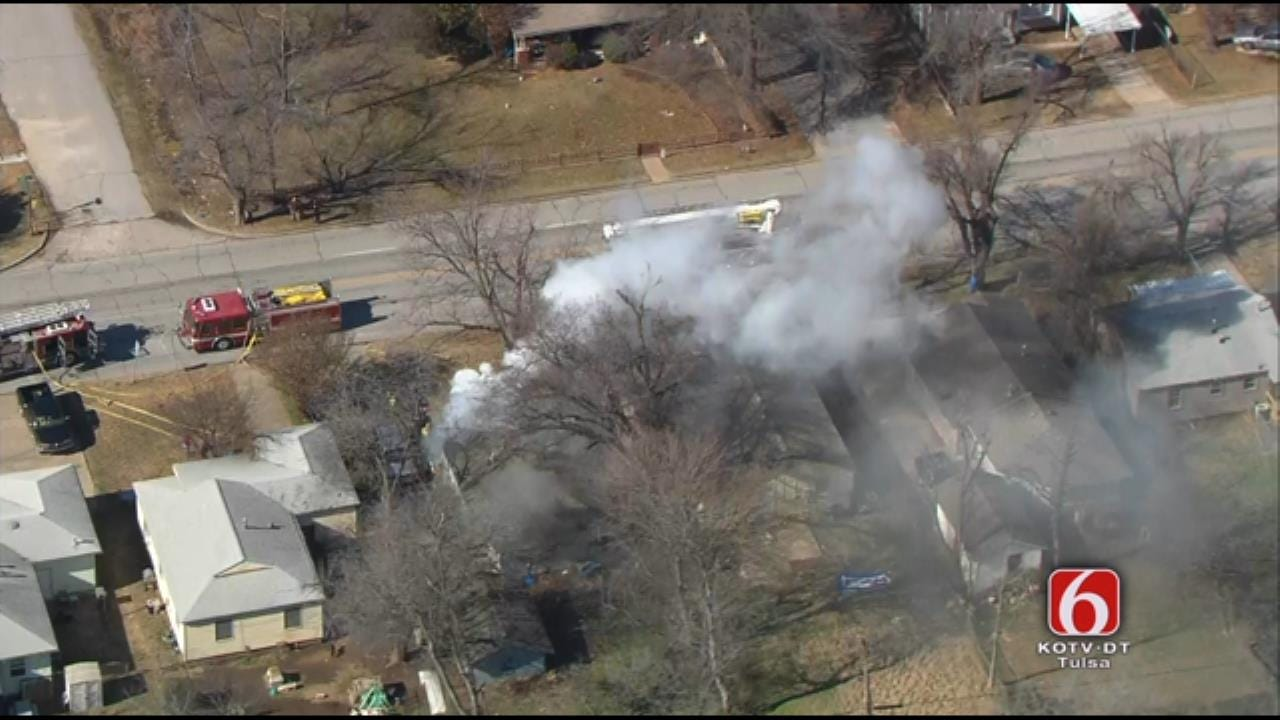 Tulsa Firefighters Pull 2 Adults, 3 Children From Burning House