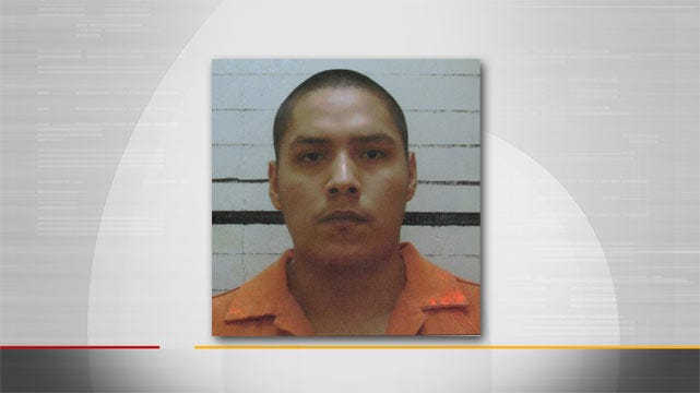 Muskogee County Jailer Arrested, Accused Of Smuggling Contraband Into Jail