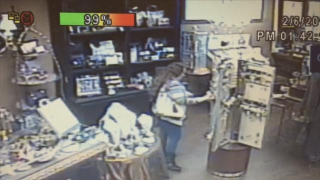Owasso Police Search For Alleged Shoplifter Who Led Them On High-Speed Chase