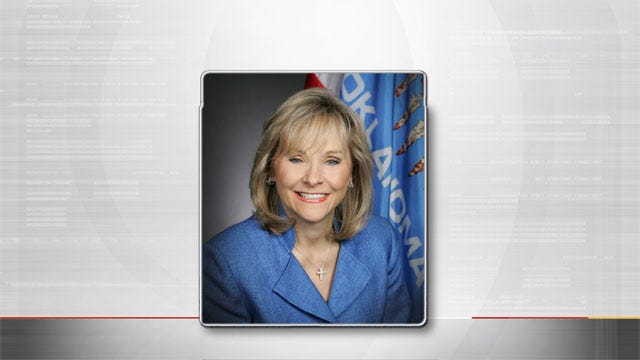 Gov. Fallin Renews, Clears Out Executive Orders