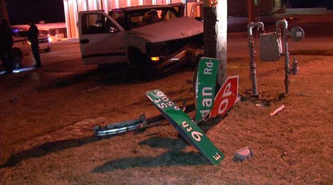 Tulsa Police: Driver Hits Buick, Pole After Leaving Bar
