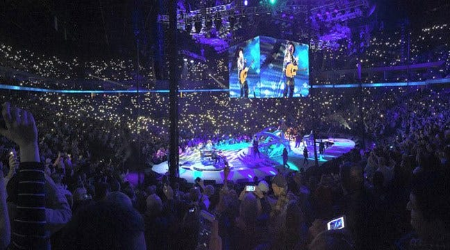 Garth Plays Into The Wee Hours In Tulsa Double-Header Concert