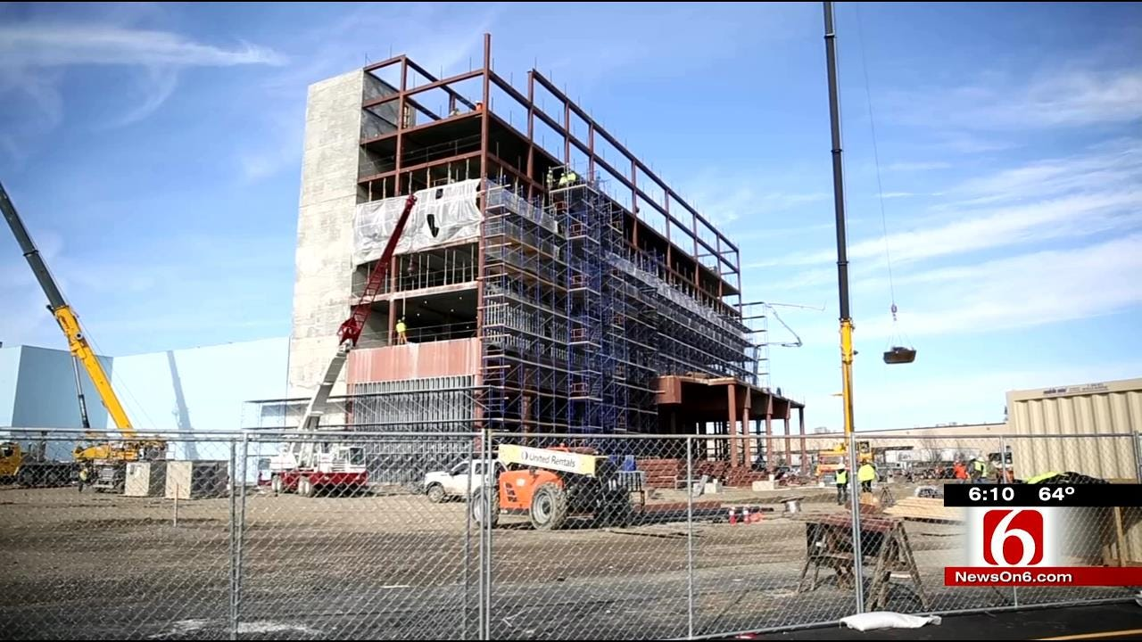 Cherokee Nation Tops Out New Roland Casino And Hotel