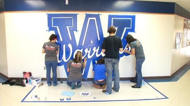 Volunteers Help Beautify Tulsa High School Campus