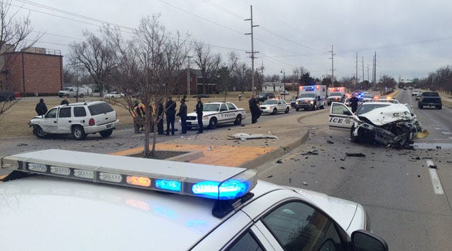 Suspected Thieves Injured After Crashing Into Tulsa Police Car