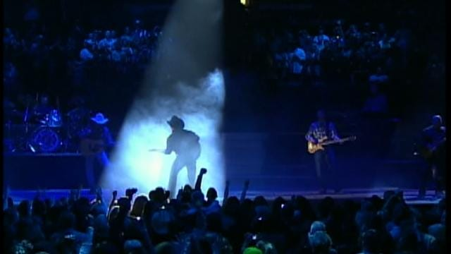 BOK Center Staff Details Paperless Ticket Procedure For Garth Concerts