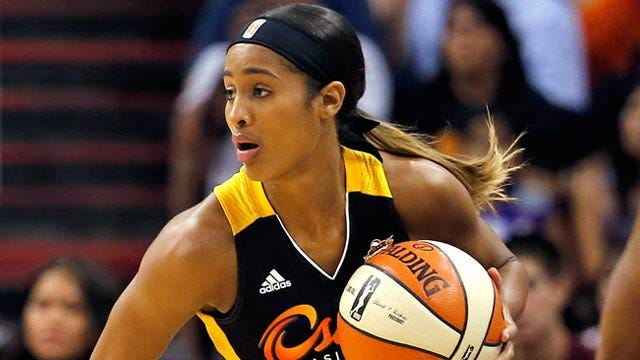 Diggins To Miss Remainder Of 2015 Season After ACL Injury