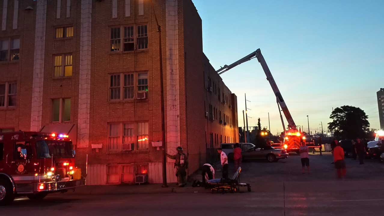 Downtown Tulsa Apartment Fire Displaces Residents