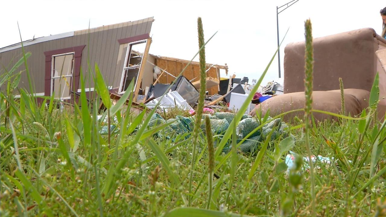Oklahoma Vet, Fiancee Receive Gifts After Tornado Destroys Wedding Decor