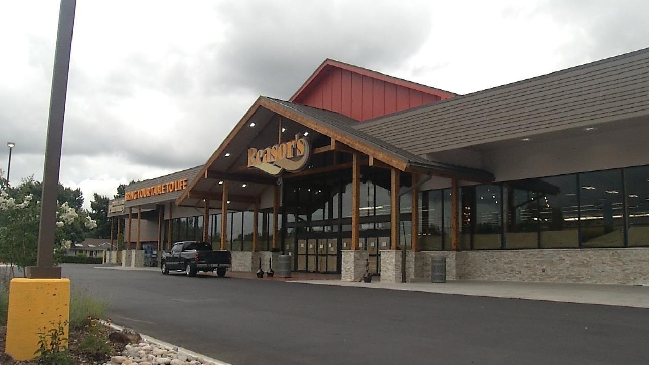 New Reasor's Concept Store Closer To Opening Brookside Doors