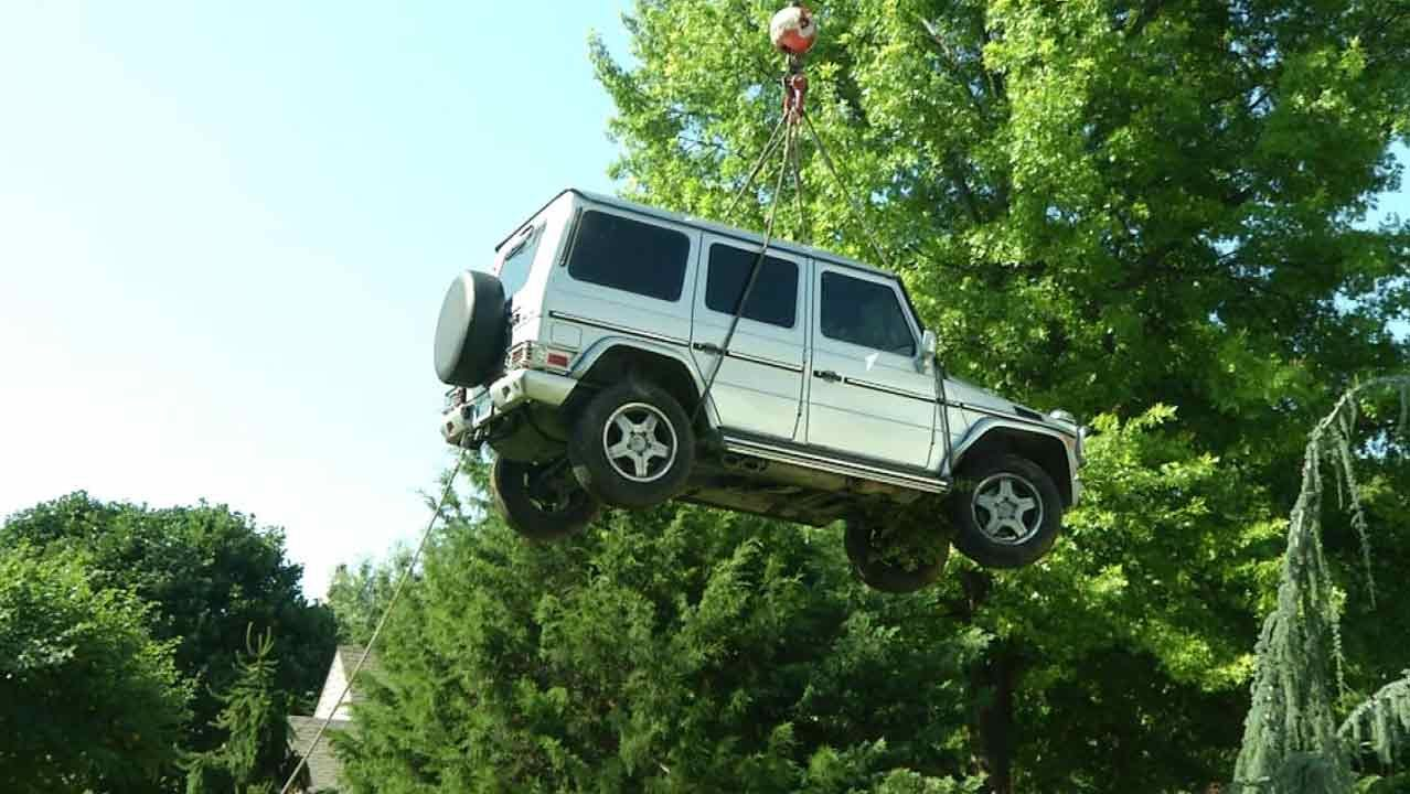 Mercedes Wrecked In Joyride Lifted From Tulsa Koi Pond