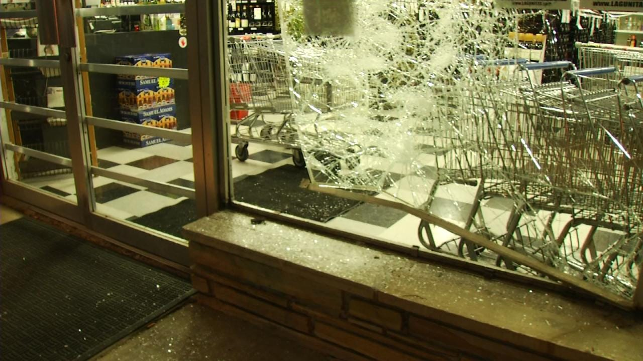 Burglars Break Window Of Midtown Tulsa Liquor Store