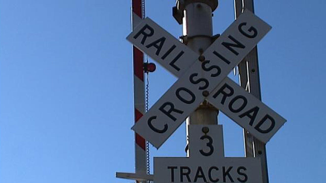 Railroad Crossing Project To Restrict Traffic On Tulsa's North Peoria