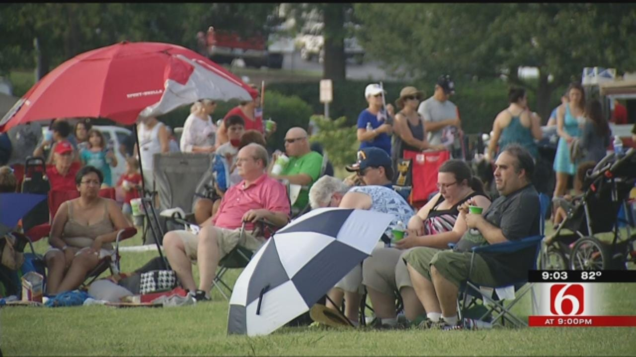 Folds Of Freedom Fest Attendees Celebrate Holiday, Wait For Fireworks
