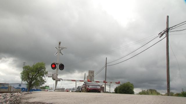 Help Count Claremore Trains As You Wait