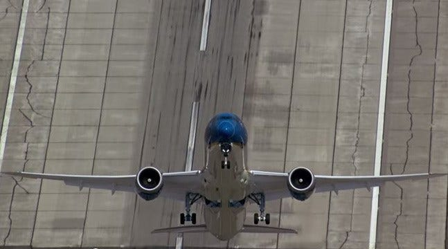 Boeing Releases Video Of 787 Making Amazing Takeoff