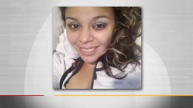 Man Fatally Stabbed In Henryetta; Girlfriend Arrested For Murder