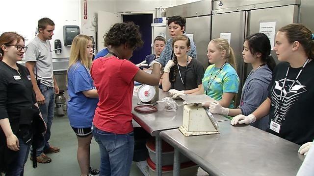 Oklahoma Aquarium Gives Kids A Chance To Be Marine Biologist