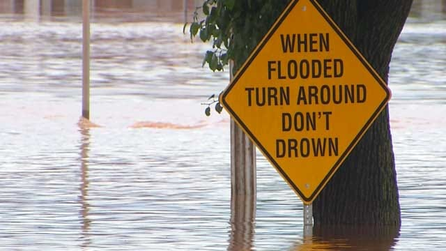 Highway 69/75 At Red River Bridge Narrowed Due To High Water