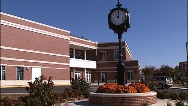 Regents Consider Tuition Hike At OU, Rogers State