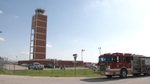 Tulsa Airport Traffic Controllers Hard At Work In Temporary Tower