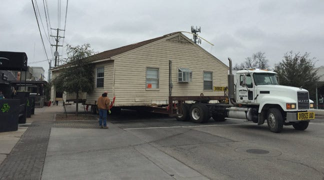 Tulsa House Transport Makes Tight Squeeze On Brookside