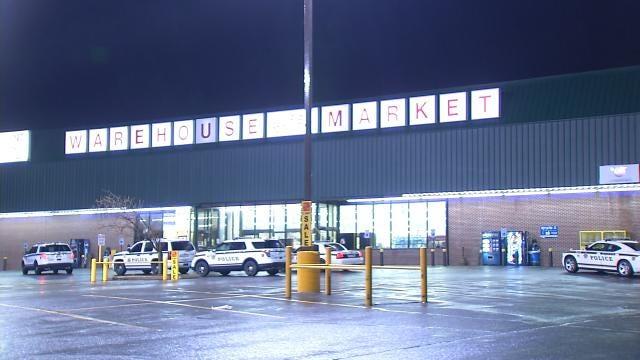 Police Investigate Tulsa Warehouse Market Break-In