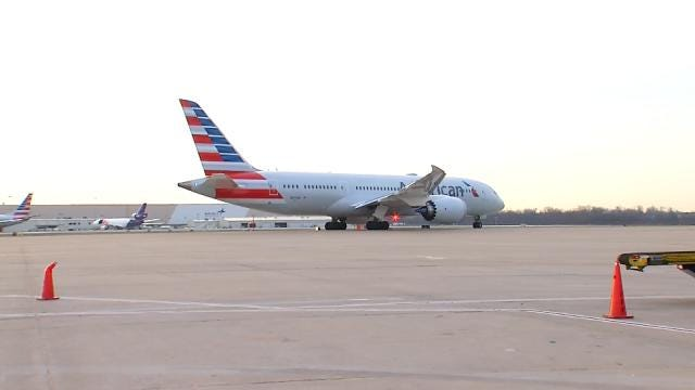 American Airlines 787 Dreamliner Makes 1st Tulsa Visit