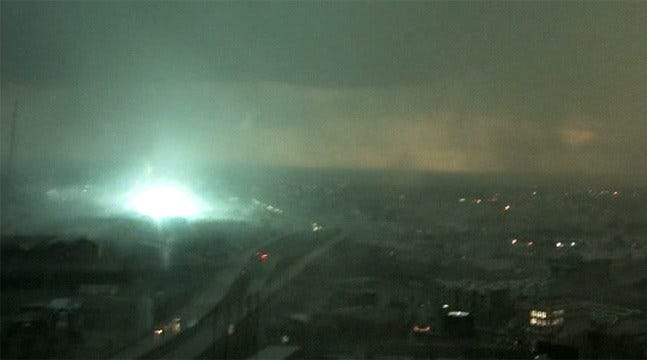WATCH: 80 MPH Winds Set Off Incredible Power Flashes In Tulsa