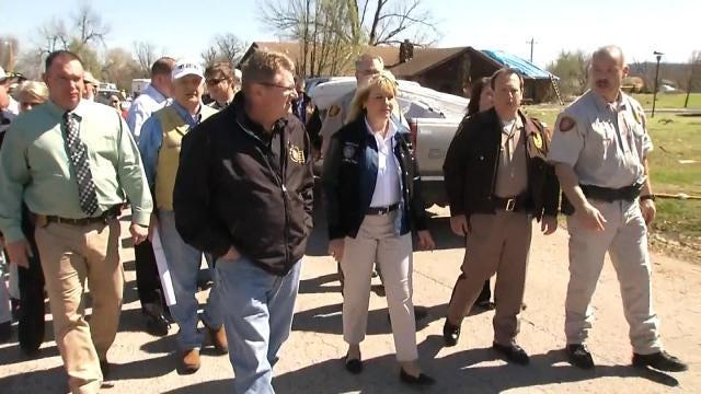 Governor Fallin Tours Sand Springs Tornado Aftermath