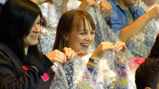 ORU Sets New World Record For Popping Bubble Wrap