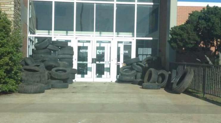 Oologah High School Seniors Pull 'Tired' Prank