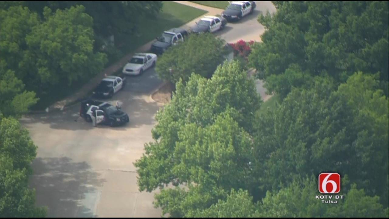 Carjacking Suspect Surrenders After Police Standoff In Broken Arrow
