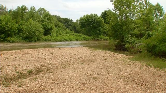 Mother Says Toddler Swept Away In Seconds At Illinois River