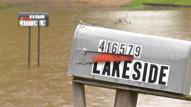Lake Eufaula Resident Says He'll Stay Until He Has To Swim Out
