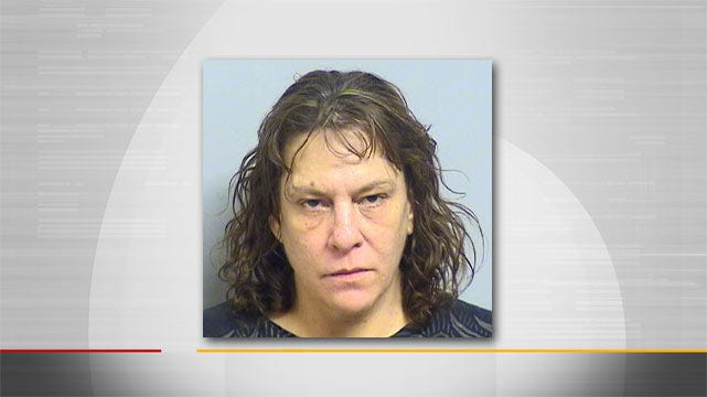 Tulsa Woman Stabs Boyfriend With Bowie Knife, Police Say