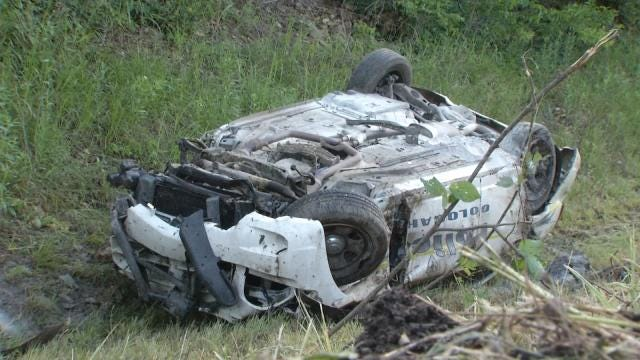 Nowata Officer Aids Injured, Trapped Oologah Officer During Chase