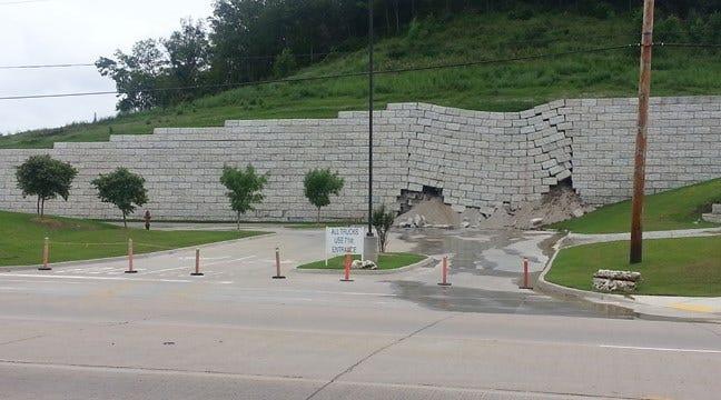 Tiger Hill Retaining Wall Breaks Loose In Broken Arrow