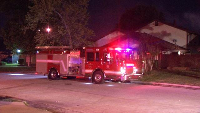 Two Dogs Die In East Tulsa Duplex Fire