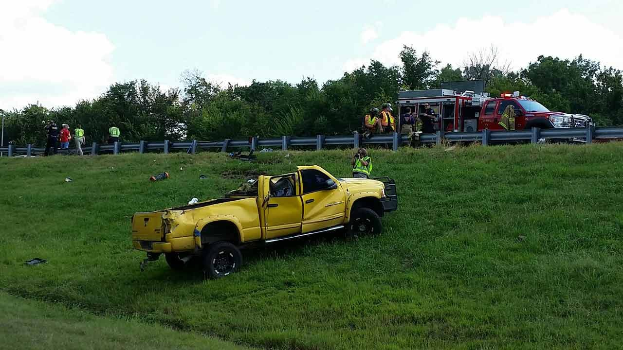 Driver Survives Rollover Wreck On Keystone Expressway
