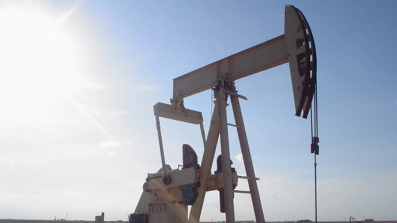 Analyst: Price Of Crude Could Sink To $20 A Barrel In 2016