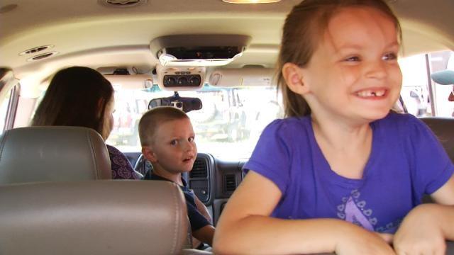 Nonprofit Surprises Oklahoma Veteran's Big Family With 2 Vehicles