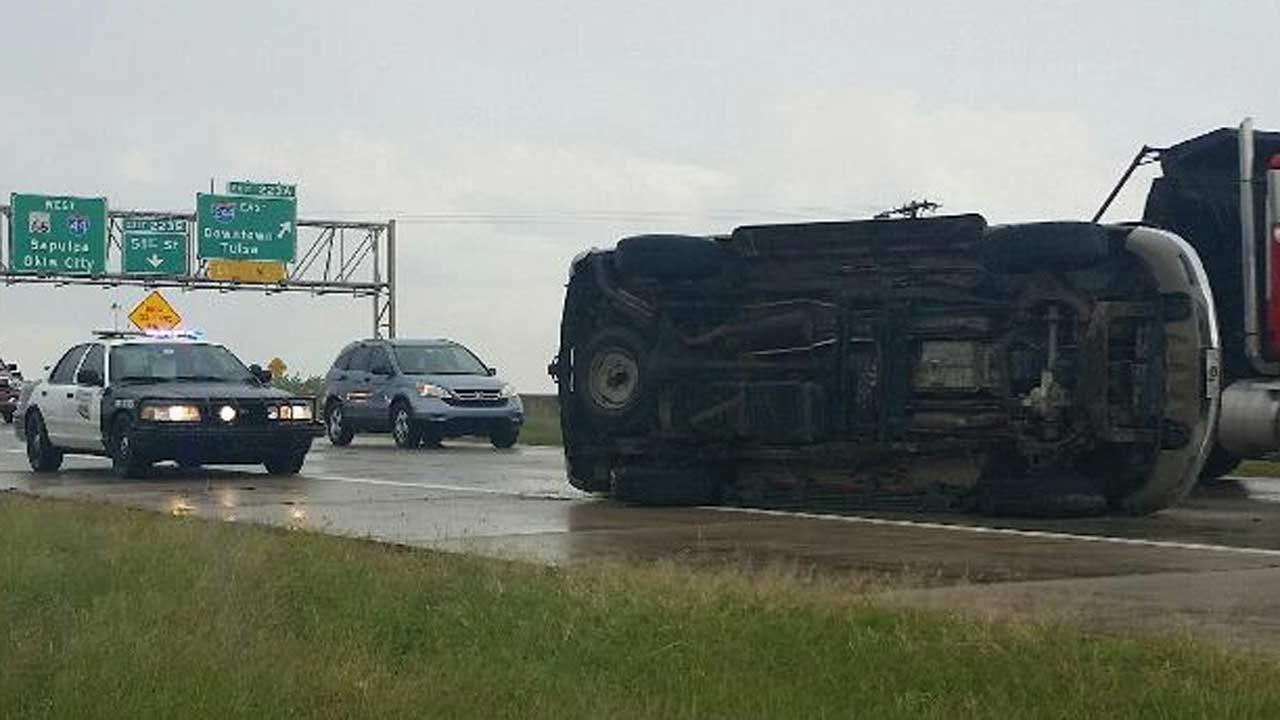 Woman Wrecks Swerving To Avoid Debris In Tulsa Highway