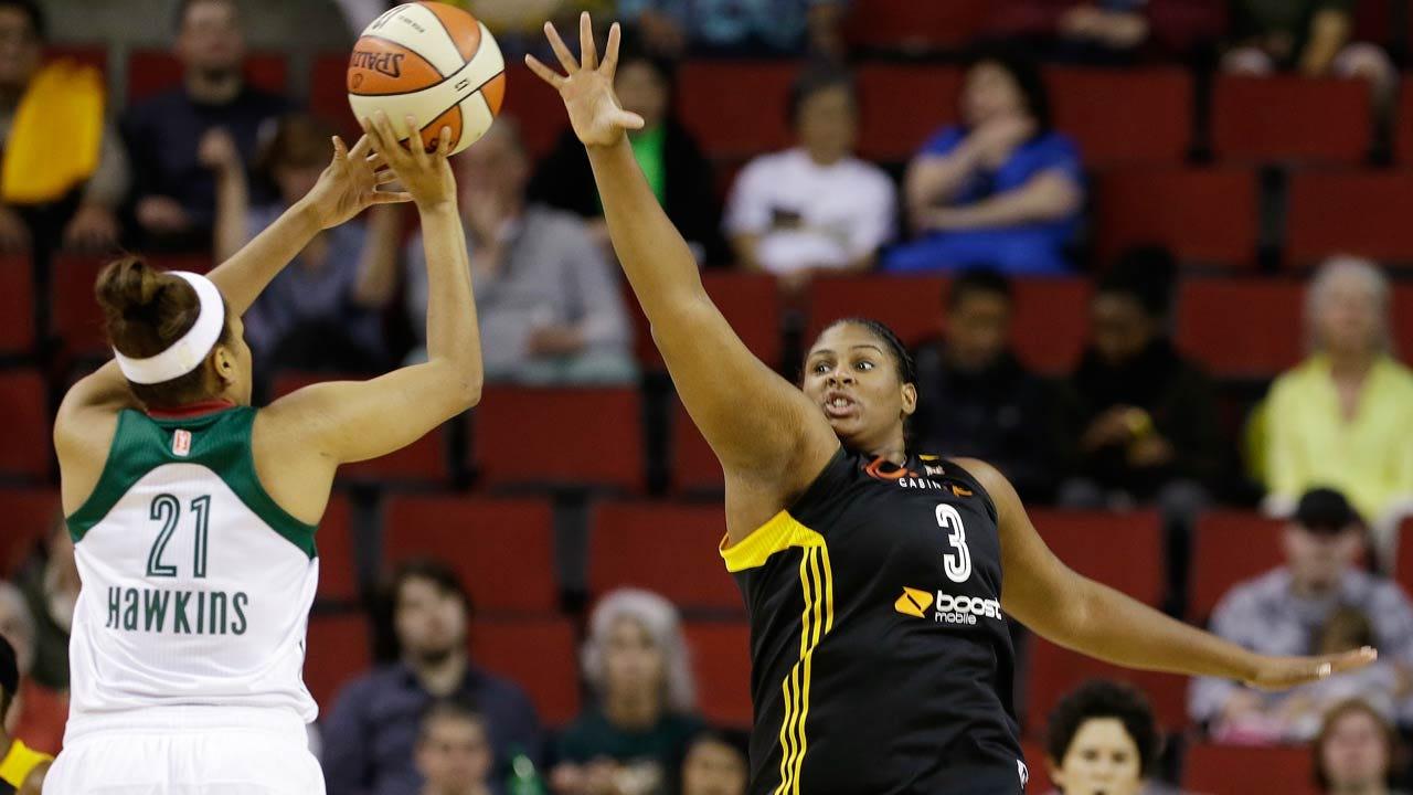 Former OU Standout, Shock Center Courtney Paris Wins WNBA Peak Performance Award